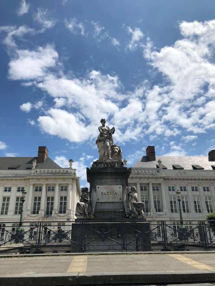 Du lịch nước Bỉ tự túc 5 ngày 4 đêm quá rẻ cho 1 cuộc tình 1